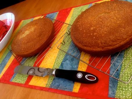 Black tea cake with lemon buttercream frosting